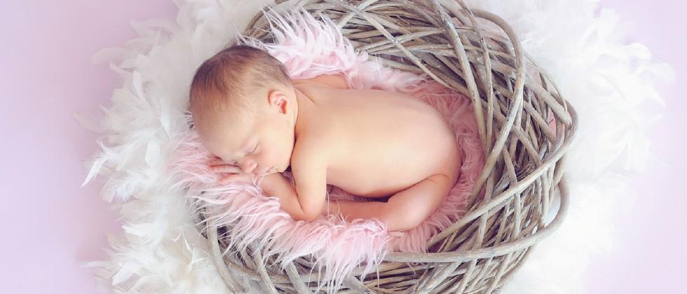 Mitos Tentang Perawatan Perkembangan Bayi 4 Bulan