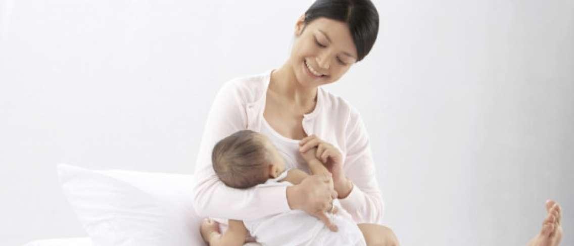 Jadwal Menyusui Bayi Baru Lahir - Guesehat