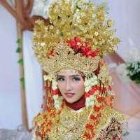 Dessia Rahayu